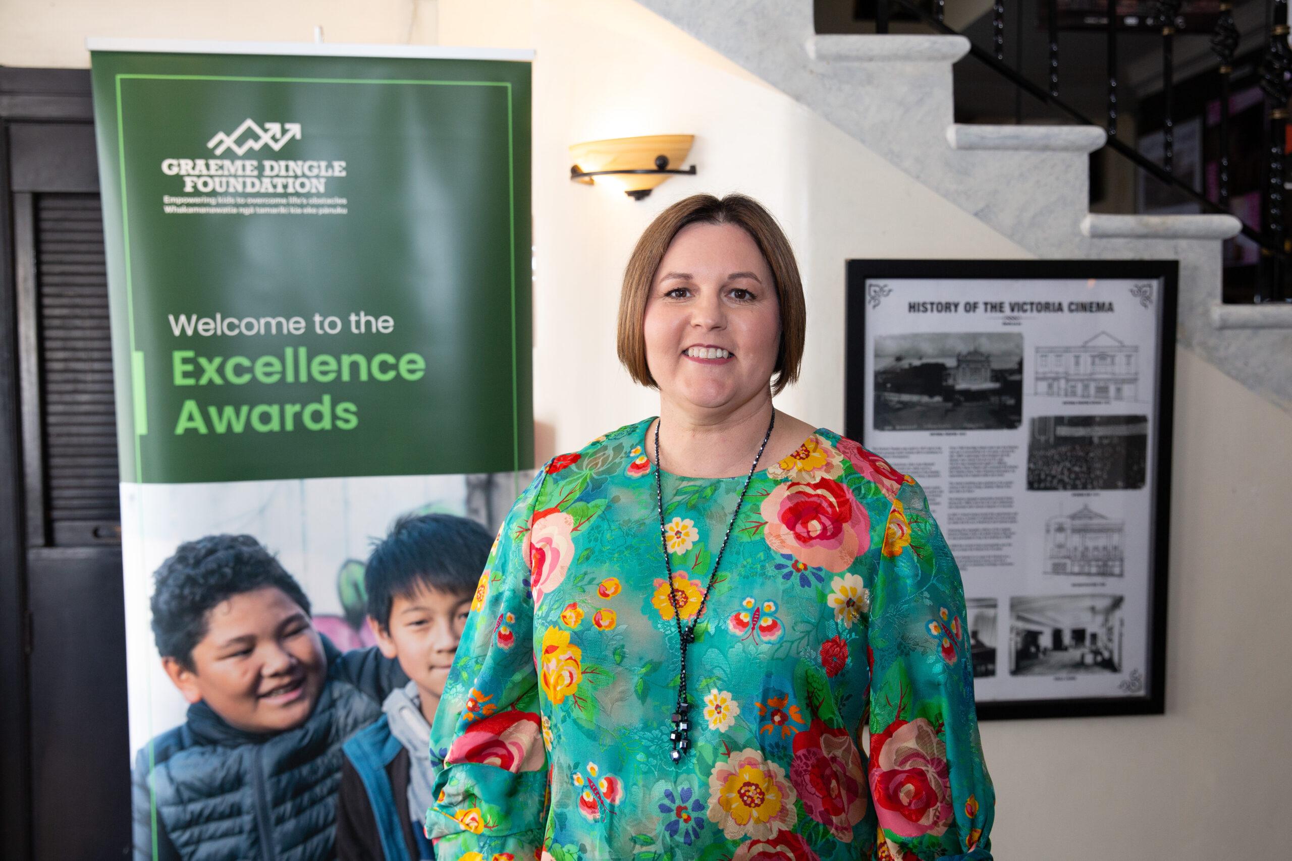 Redwood woman's dedication to young earns award