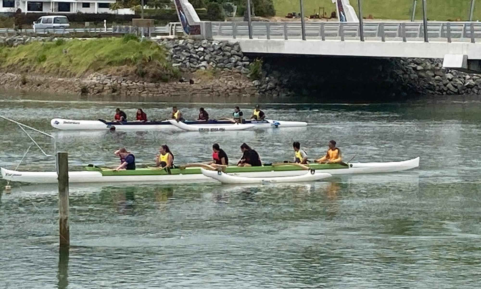 Far North Students in kayak