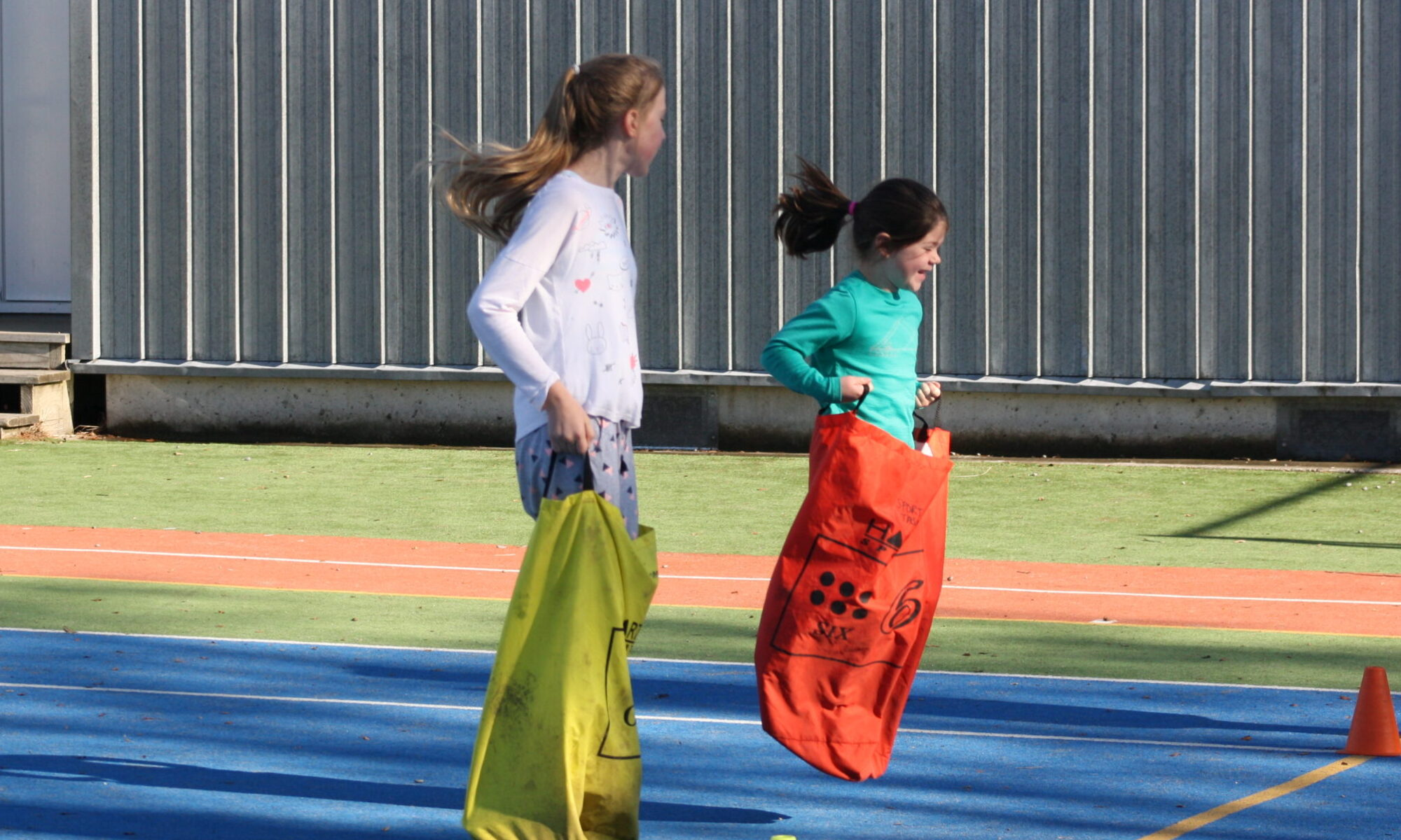 Activity day for kiwi can students